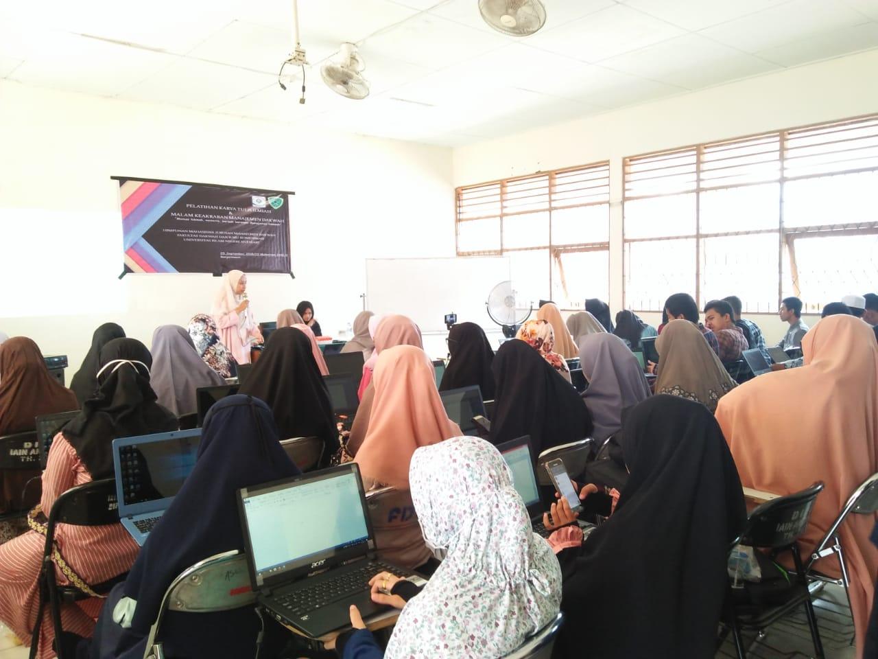 HMJ MD Selenggarakan Pelatihan Karya Tulis Ilmiah (KTI) dan Malam Keakraban