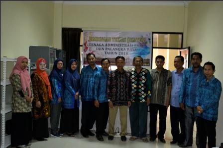 Kunjungan sekaligus Bimtek Tenaga Administrasi Fakultas Ushuluddin Adab dan Dakwah IAIN Palangkaraya